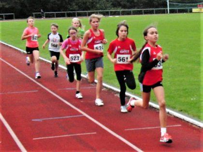 Alessia Oglialoro führte nach der ersten Runde das Verfolgerfeld noch an. Aber sie konnte das Tempo nicht halten und belegte im Ziel Rang vier. Foto: nh