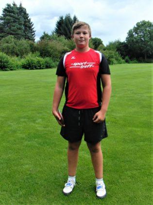Der Zwölfjährige Luis André  gefiel in Göttingen auch im Schleuderball- und Speerwerfen und bewies damit seine gute Ausbildung in den Wurfwettbewerben. Foto: nh