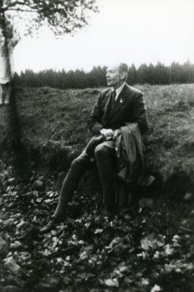 Schulleiter Ernst Heinrich Orlopp, der von 1942 bis 1945 die Schule im Dienst des Nationalsozialismus führte. Foto, Bestand: Schulmuseum der BTHS