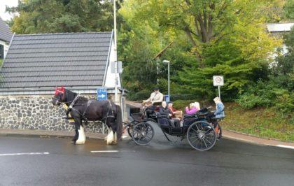 Das Gespann mit Familie Hagen aus Neuenbrunslar. Foto: nh
