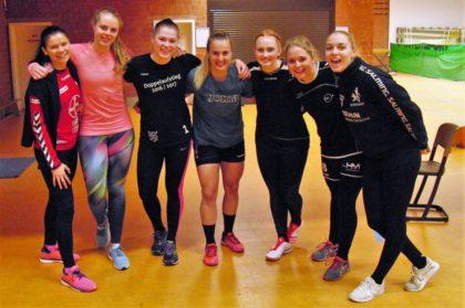 Zur Freude von Veranstaltungsleiter Hans-Jörg Engler testeten bei diesem Meeting auch einige Bundesliga-Handballspielerinnen der SG 09 Kirchhof ihre Schnelligkeit und Sprintausdauer. Foto: nh