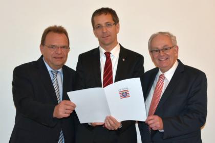 Landrat Winfried Becker (Schwalm-Eder-Kreis), Landrat Dr. Michael Koch (Kreis Hersfeld-Rotenburg), Claus Spandau (KIKZ) (v.l.). Foto: nh