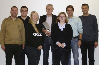 Andreas Göbel (Schriftführer), Christian Brück (Kassenprüfer), Malwina Schenk (2. Vorsitzende), Dr. Helmut Bernsmeier (Ehrenvorsitzender), Katharina Eisennach (1. Vorsitzende), Hendrik Schulz (Kassenprüfer) und Frank Siesenop (Kassenführer) (v.l.). Foto: nh