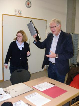 Katharina Eisennach (1. Vorsitzende) und Dr. Helmut Bernsmeier (Ehrenvorsitzender). Foto: nh