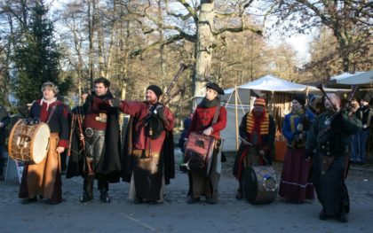 Musik beim Mittelalterlichen Weihnachtsmarkt im Tierpark Sababurg. Foto: Sandy Rödde