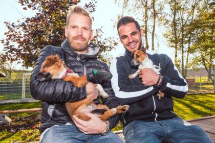MT-Keeper Johan Sjöstrand und Linksaussen Michael Allendorf im Tierheim Beuern. Foto: Alibek Käsler