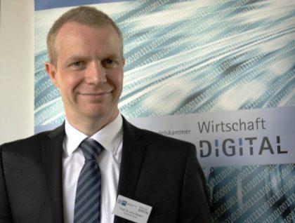 Prof. Dr. Arno Wacker vom Fachbereich Angewandte Informationssicherheit der Universität Kassel. Foto: nh