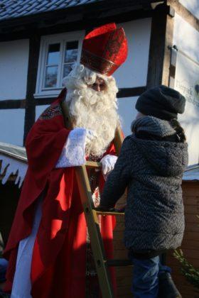 Der Weihnachtsmann kommt ebenfalls zu Besuch. Foto: Sandy Rödde