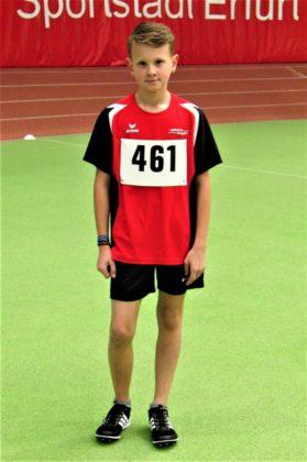 Leon Neumann hatte sich für Erfurt viel vorgenommen, aber er lief leider in den Kurven auf Bahn zwei und verpasste sein 800m-Ziel um zwei Sekunden. Foto: nh