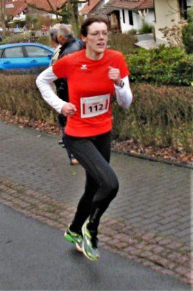Luise Zieba, die in diesem Jahr für die MT Melsungen startet, zeigte sich beim Silvesterlauf in Kaufungen stark verbessert. Foto: nh
