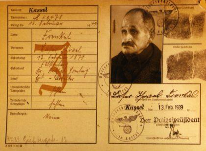 """Kennkarte von Laser Frenkel vom 13. Februar 1939 (StA Kassel Best. A, """"Volkskartei - Sonderkartei J""""). Repro: Thomas Schattner"""