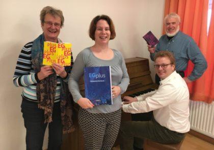 Irene Weishaar, Hephata-Kantorin Dorothea Grebe, Bezirkskantor Jens Koch und Hans-Otto Schäfer. Foto: nh
