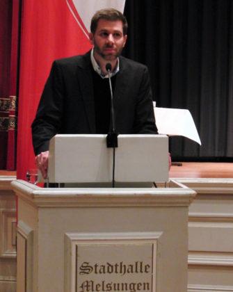 Dr. Alexander Schröder, der die Jahreshauptversammlung souverän leitete. Foto: nh