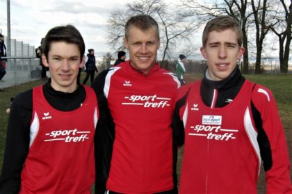 Moritz Knaust, Dennis Keidel und Lorenz Funck sicherten sich die Teamwertung vor dem TSV Niederelsungen. Foto: nh
