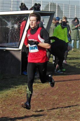 Ein starkes Rennen zeigte auch Moritz Knaust als Dritter auf der Mittelstrecke der Männer