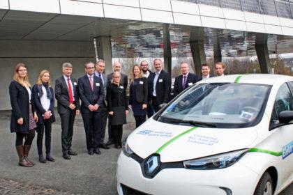 """Um nordhessische Unternehmen beim Umstieg auf Elektromobilität und den ÖPNV zu unterstützen, starten die KVG und das Regionalmanagement Nordhessen das Projekt """"E-MOMO – Elektromobilität auf Dienstwegen"""". Foto: Regionalmanagement"""