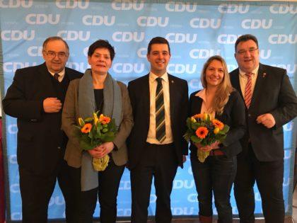 CDU-Kreisvorsitzender Bernd Siebert, Ersatzbewerberin Claudia Ulrich, Landtagskandidat Matthias Wettlaufer, Theresa Wettlaufer und Staatssekretär Mark Weinmeister (v.l.). Foto: nh