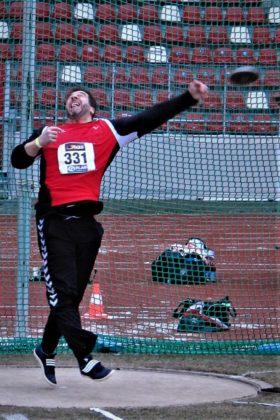 Norbert Weinreich hatte niemand auf der Rechnung. Mit dem neuen Kreisrkord von 43,69 m sicherte er sich die Silbermedaille. Foto: nh