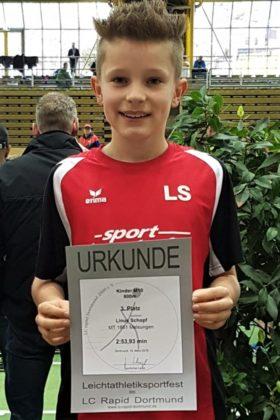 Linus Schopf verbesserte über 800m den Kreisrekord der M10 um fast 10 Sekunden - Kopie