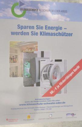 """Die Innung für Sanitär-, Heizungs- und Klimatechnik Schwalm-Eder unterstützt die Energiesparkampagne """"Sparen Sie Energie - werden Sie Klimaschützer"""". Foto: Kreishandwerkerschaft Schwalm-Eder"""