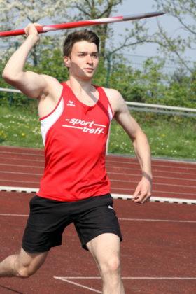 Henri Alter kam, sah und siegte im Speerwerfen der Männer mit 58,42 Metern. Foto: Lothar Schattner