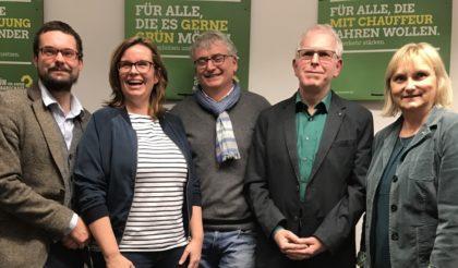 Marcel Breidenstein (Direktkandidat, WK 8), Ruth Engelbrecht (Ersatzkandidatin, WK 8), Manfred Hollstein (Ersatzkandidat WK 7), Jjörg Warlich (Direktkandidat WK 7) und MdB Dr. Bettina Hoffmann (v.l.). Foto: nh