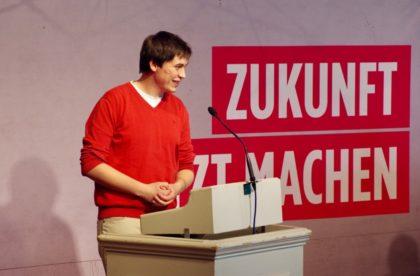 Jan-Christian Fey, Vorsitzender der Jusos Schwalm-Eder, bei der Präsentation des Kampagnenplans. Foto: nh