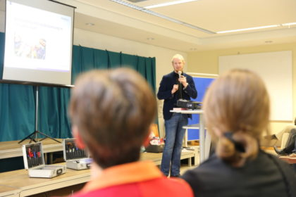 Diakon Björn Keding, Geschäftsführer der Diakonischen Gemeinschaft Hephata, moderierte das Forum Asyl im April 2016. Foto: nh