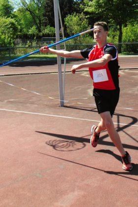 Jan Gille verbesserte sich als Speerwurfsieger der M15 auf 35,79 m. Foto: nh