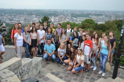 Neue Perspektiven: Die Jugendlichen 2017 beim Ausflug nach Lwiw/Lemberg. Foto: Elisa Mand