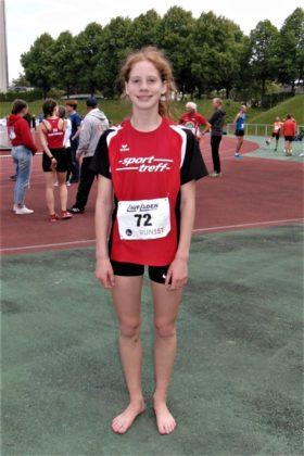 Pia Gille holte sich in einem taktischen Rennen über 800m der W13 ihren ersten Sieg bei den nordhessischen Meisterschaften Regionalmeisterschaft. Foto: nh