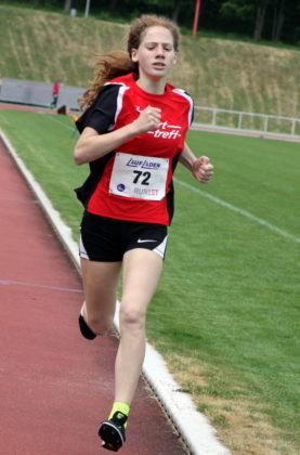Die 12-jährige Pia Gille verbesserte sich als 800m-Siegerin der W12 auf 2.36,25 Minuten. Foto: nh