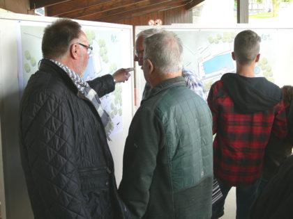 Infoveranstaltung zur Umgestaltung des Freibades Erleborn. Foto: nh
