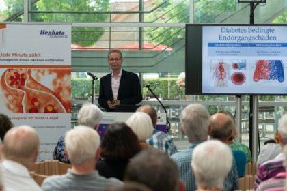 In seinem Vortrag verdeutlichte Dr. Ralf Weber die Wichtigkeit von Bildung und Aufklärung im Kampf gegen Diabetes. Foto: nh