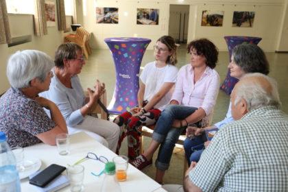 Forum-Asyl.Schwalmstadt -Gespräche in den AGs. Foto: nh