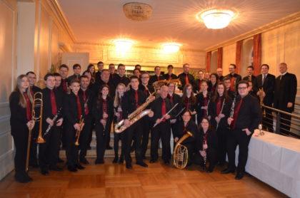 Orchester HarmonieMusik Melsungen e. V. und das Blasorchester Schwalmstadt. Foto: nh