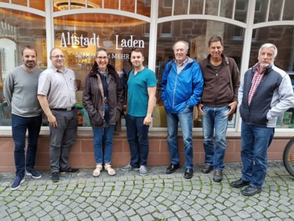 Daniel Helwig (Fraktionsvorsitzender), Burkhard Walz, Regine Müller (stellv. Vorsitzende und MdL), Patrick Gebauer (Vorsitzender), Heinz Wagner, Helmut Böhm und Gerhard Hosemann (v.l.). Foto: nh