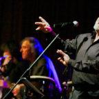 Tribute to Joe: In großer Besetzung spielen Chip n' Steel die größten Hits von Joe Cocker. Foto: nh