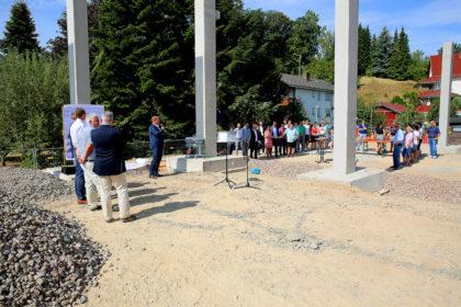 Grundsteinlegung für den Erweiterungsbau der Fa. Hadler in Neuenbrunslar. Foto: nh