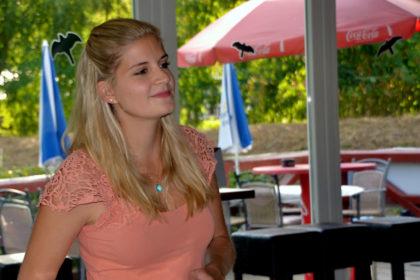Sängerin Marisa Linß im Bootshaus, Bad Hersfeld. Foto: Schmidtkunz