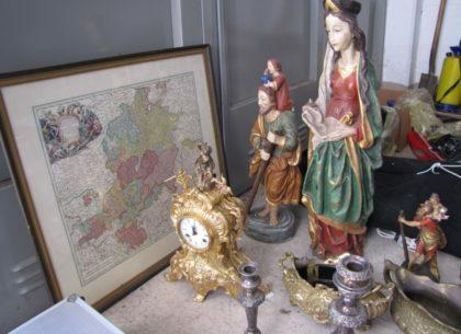 Wem gehören die Figuren, die Landkarte und die Uhr? Foto: Polizei | nh