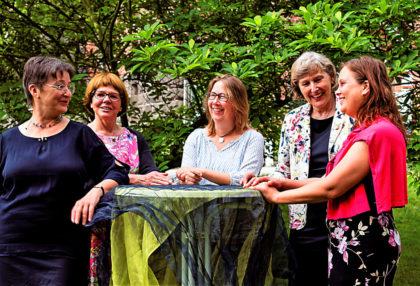 Beim Frauenmahl (v.li.): Annette Hestermann, Inge Fleschenberg, Tamara Morgenroth, Inge Wickert und Anne Rudolph. Foto: nh