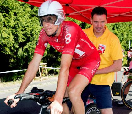 Konzentriert am Start: Axel Hauschke holte sich seinen zweiten Hessentitel in diesem Jahr beim Einzelzeitfahren in Stadtallendorf. Foto: Thomas Laut