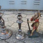 Auch Kerzenleuchter und eine Figur waren unter den Fundstücken. Foto: Polizei | nh