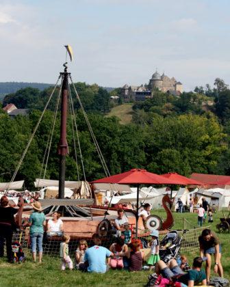 Eine spannende Epoche zwischen Antike und Neuzeit breitet sich am Zelt- und Ständeplatz aus. Foto: nh