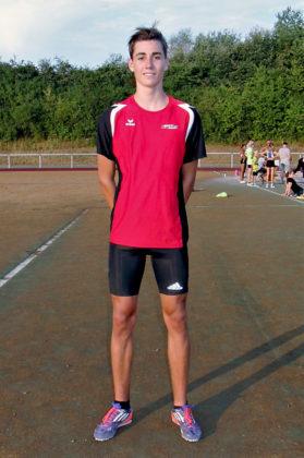 Yannick Schleider beeindruckte in den Sprüngen der U18. Foto: nh