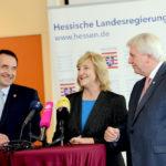 Kultusminister Prof. Dr. R. Alexander Lorz, Justizministerin Eva Kühne-Hörmann und Ministerpräsident Volker Bouffier. Foto: Staatskanzlei
