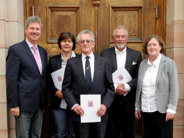 Von links: Bürgermeister Klemens Olbrich, Heike Schreiner, Heinz Schorm, Peter Jöckel, Dr. Gudrun Labenski. Foto: nh