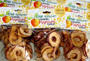 GRIMMS Märchen GOLD: Die Saison für Bio Streuobst-Apfel-Chips hat begonnen. Foto: nh