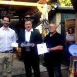 """Von links: Bürgermeister Dr. Philipp Rottwilm, Staatssekretär Mark  Weinmeister und Wolfgang Priester, Vorsitzender """"Ecke Bäcker"""". Foto: nh"""